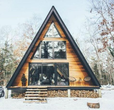 Ideas De Cabina, How To Build A Log Cabin, Building A Cabin, Cabin In The Woods, Home Buying Tips, Cozy Cabin, Cabin Homes, Log Cabin Houses, Modern Log Cabins