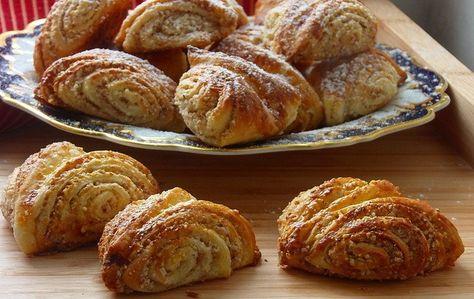 Turecké koláče se skořicí a ořechy