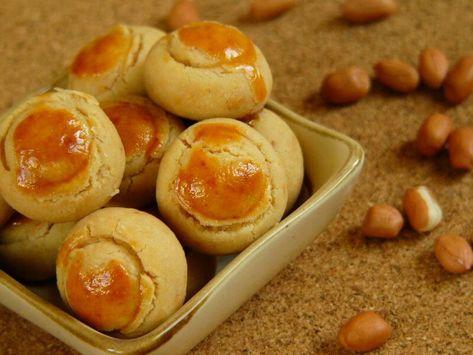 Bahan Mentega Atau Margarin 125 Gram Gula Pasir Setengah Halus 125 Gram Almond Mete Goreng Cincang Halus 100 Gra Resep Makanan Kue Mentega Makanan Enak