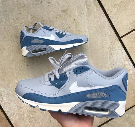 UNDEFEATED Nike Air Max 90 Laser Blue Infrared Release