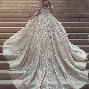فساتين السهرة وجمالها يجعل مهمة اختيار البوتيك المناسب صعبة لذلك نقدم لكل من يبحث عن مكان فخم لفسا Expensive Wedding Dress Wedding Dress Train Lace Ball Gowns