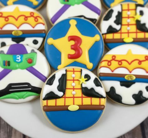 """270 Me gusta, 5 comentarios - Whoo's Bakery? (@whoosbakery) en Instagram: """"Love how these Toy Story cookies turned out for Gianmarco's 3rd birthday! #toystory…"""""""