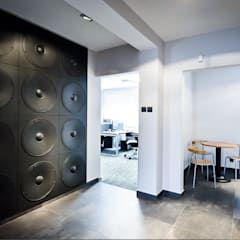 3d Wandpaneele Lautsprecher Motive Wandgestaltung Moderne Wohnzimmer Von Loft Design System Deutschland Wandpaneele Aus Bayern Modern Homify In 2020 Wandverkleidung Wohnzimmer Modern 3d Wandplatten