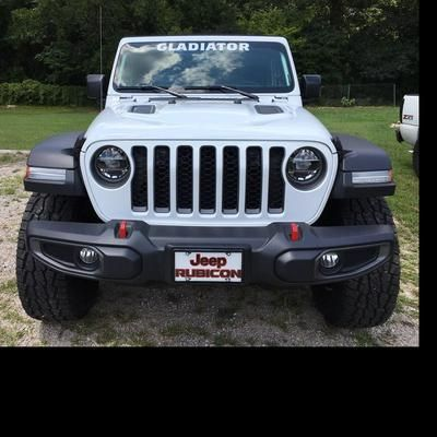 New To The Jeep Family Jeep Jeep Bumpers Jeep Gladiator