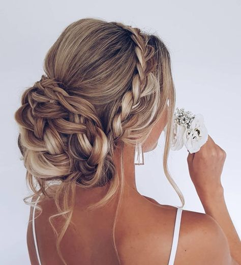 Prom Updo - Prom, Formal + Homecoming Hairstyles G. - Prom Updo – Prom, Formal + Homecoming Hairstyles goldplaited prom updo German Book your photos u - Oscar Hairstyles, Homecoming Hairstyles, Wedding Hairstyles For Long Hair, Wedding Hair And Makeup, Hairstyle Wedding, Gorgeous Hairstyles, Wedding Ponytail, Hairstyle Ideas, Prom Hairstyles Updos For Long Hair