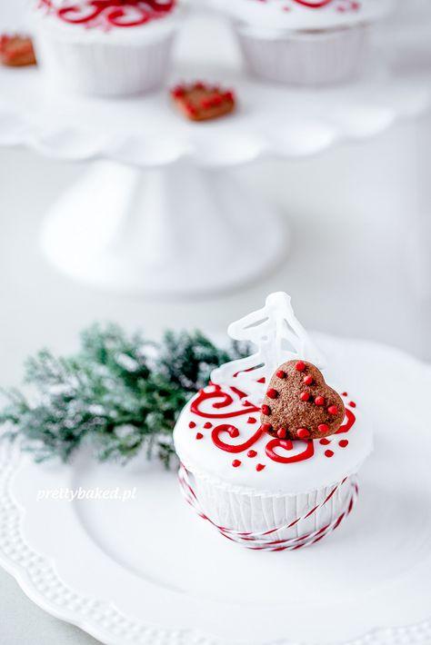 Christmas Tree Vanilla Cupcakes   Christmas Desserts