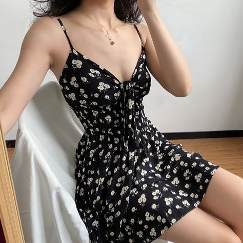 Small chrysanthemum chest hollowed knotted waist floral camisole dress · FE CLOTHING · Online Store Powered by Storenvy Girly Outfits, Pretty Outfits, Pretty Dresses, Stylish Outfits, Dress Outfits, Casual Dresses, Fashion Dresses, Cute Outfits, Floral Skirt Outfits