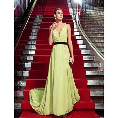Sheath/Column V-neck Sweep Train Chiffon Evening Dress Inspired by Venice Film Festival (742202) – USD $ 98.99