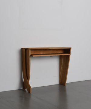 Online Speichern Dekorativer Tisch Konsoletisch Von Tidyboy Berlin Konsolen Tisch Konsolentisch Tisch Dekorieren
