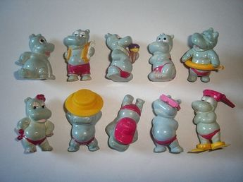 FIGURES HAPPY HIPPOS AT THE BEACH 1988 ALL ACCESSORIES KINDER SURPRISE SET