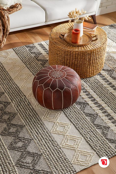 Stunningly Stylish Ottomans for Any Living Room or Bedroom Design