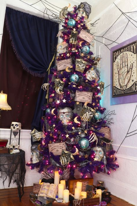 The Crafty Lumberjacks turned our Treetopia Basics Purple Tree into a the fortune-teller inspired tree for Halloween. Have mystical decorating ideas of your own? Shop our purple artificial tree! Halloween Christmas Tree, Purple Christmas Tree, Holiday Tree, Halloween 2020, Fall Halloween, Halloween Crafts, Halloween Decorations, Holiday Decor, Christmas Trees