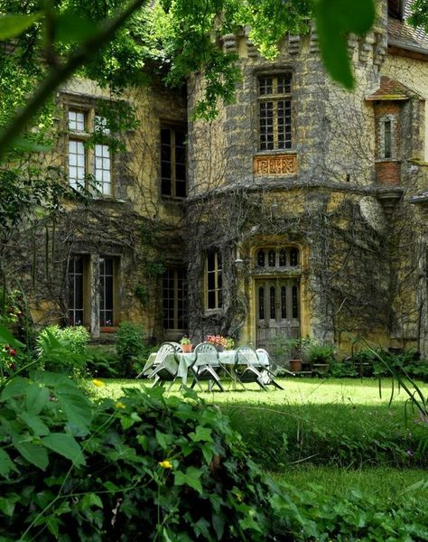 stay in an English manor for a month writing a novel Future House, Beautiful Homes, Beautiful Places, English Manor Houses, English Cottages, English Castles, English House, This Old House, Stone Houses