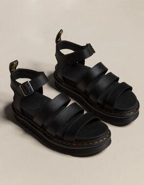 Platform Sandals For Women Heels Black Platform Sandals, Platform Pumps, Black Sandals, Chunky Black Shoes, Socks And Sandals, Gladiator Sandals, Grunge Style, Soft Grunge, Galaxy Converse