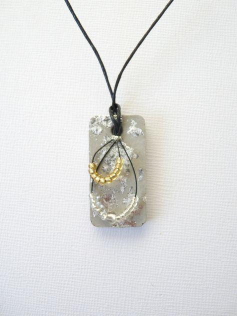 Short necklace in concrete pattern and flakes Silver: Necklace by des-brics-des-bracs