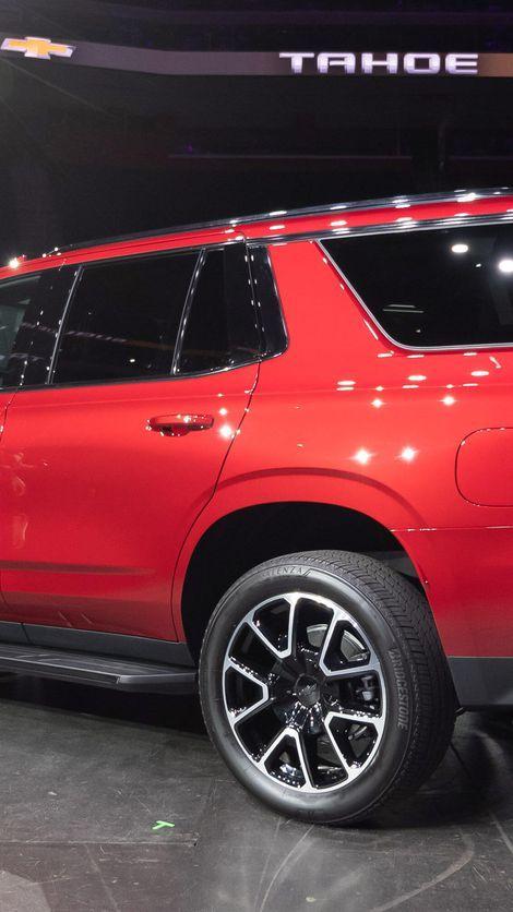 2021 Chevy Tahoe Gets Diesel Power Independent Rear Suspension Roadshow Chevy Tahoe Chevrolet Tahoe Tahoe