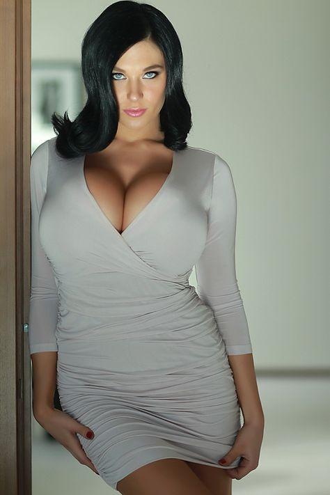 Christina Iannelli. Oh Sweet Lord.