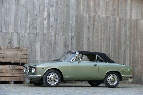 deze alfa romeo gtc in verde oliva en grijs interieur wordt te koop aangeboden in belgi via classic driver volgens de verkoper verkeert de flaneermachine