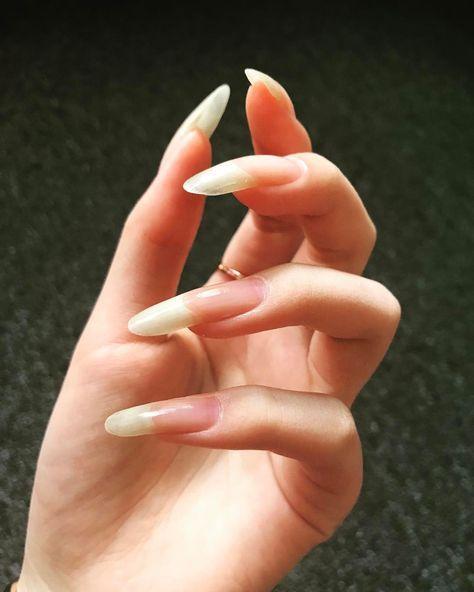 Longnaturalnails Longnails Fingers Nails Nailsarts Nautralcolor Nailpolish Hand Handmodel Long Natural Nails Natural Nails Nails Only