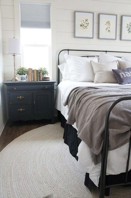 Round Rug In Bedroom Bedroom Rug Placement Master Bedroom Bedroom Styles