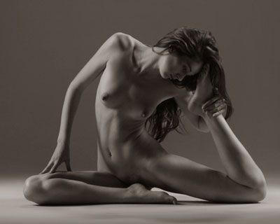 Nude art posing for