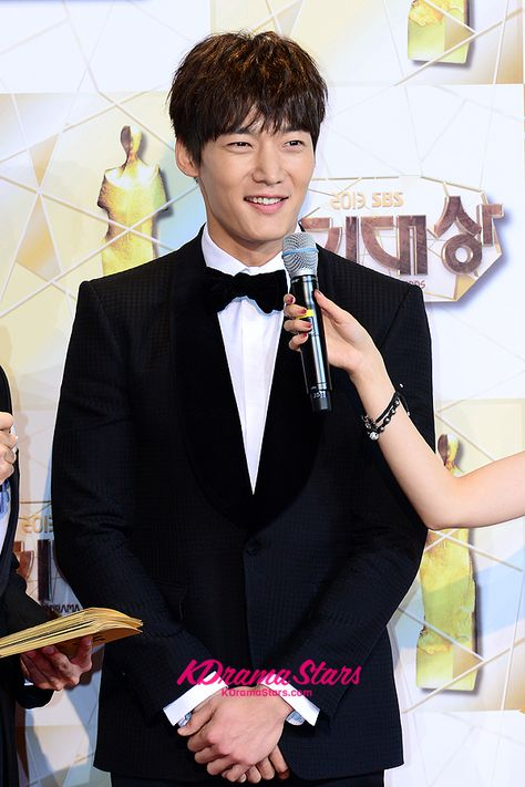 Choi Jin Hyuk Conditioned Himself To Have Feelings For Song Ji Hyo