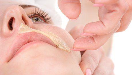 Épilation de la lèvre supérieure à la cire sans bande #tuto #tips #épilation #beauté