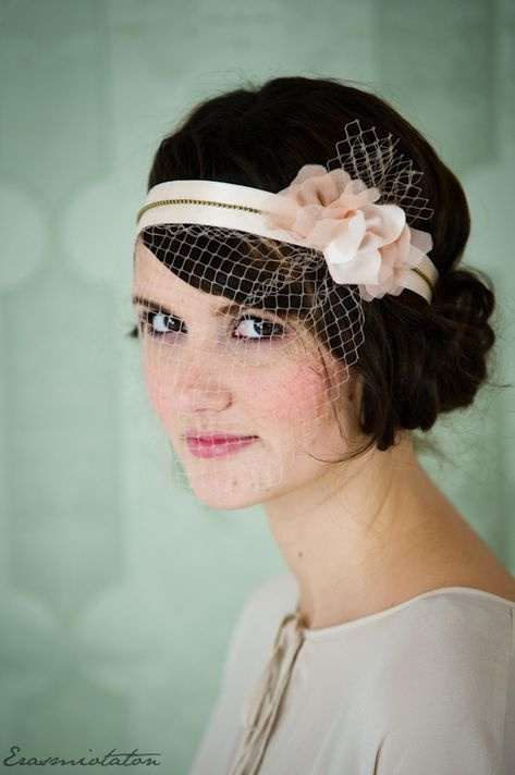 vintage wedding hairdo with headband