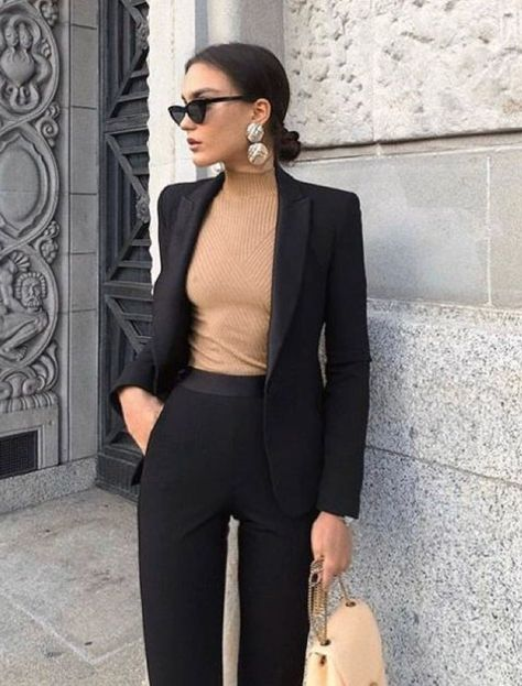 Winter Business Outfits Ideas For Your Office. Versatile, classy, easy outfit ideas with pieces you may already have. Winter Business Outfits Ideas For Your Office. Versatile, classy, easy outfit ideas with pieces you may already have.