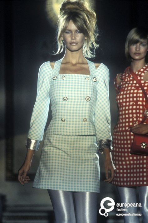 Claudia & Linda - Atelier Versace Runway Show 1994