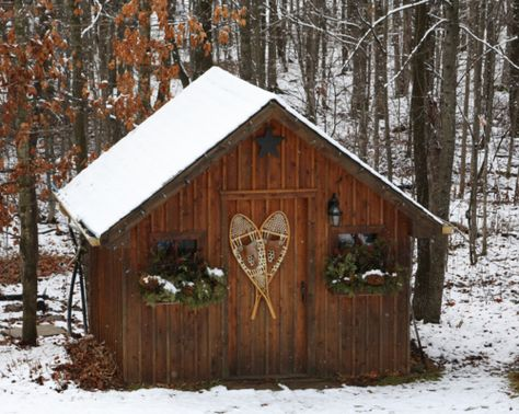 Love The Snowshoes On The Door And The Windowboxes Great Idea For The Woodshed Cabins In The Woods Winter Cabin Winter Decor