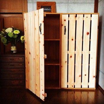 カラーボックスを 扉 で目隠し 100均 すのこdiy 作り方 取り付け方レッスン キナリノ インテリア 収納 ホームdiy カラーボックス Diy