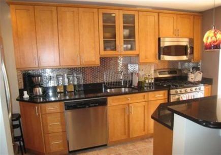 Kitchen Black Backsplash Oak Cabinets 19 New Ideas Trendy Kitchen Backsplash Black Countertops Modern Oak Kitchen