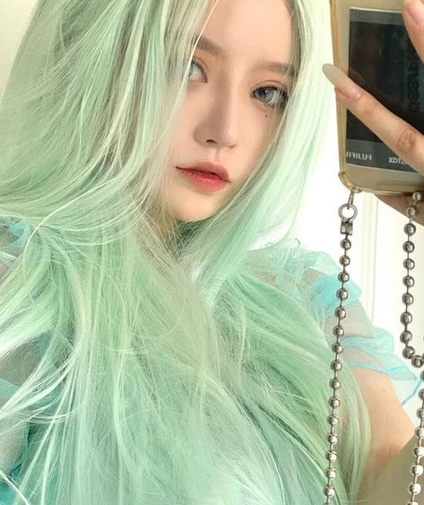 Mint Green Hair, Green Wig, Girl With Green Hair, Curly Wigs, Long Curly Hair, Curly Hair Styles, Hair Color And Cut, Mint Hair Color, Fluffy Hair