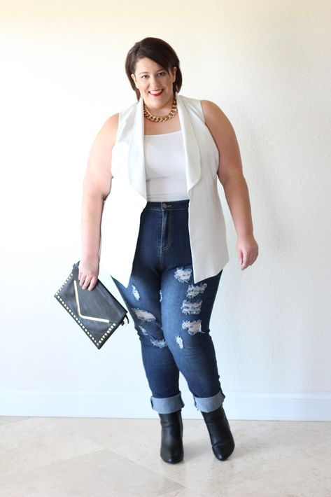c7dc1414c69 Who says a 330lb size 26 28 girl can t tuck her shirt in and rock a  sleeveless blazer in the winter  Not this girl...living the dream in  Florida! LOL DENIM ...