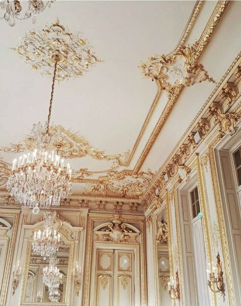 Image about aesthetic in architecture by h e a v e n l y Classy Aesthetic, Gold Aesthetic, Aesthetic Photo, Aesthetic Pictures, Baroque Architecture, Beautiful Architecture, Photo Wall Collage, Picture Wall, Princess Aesthetic