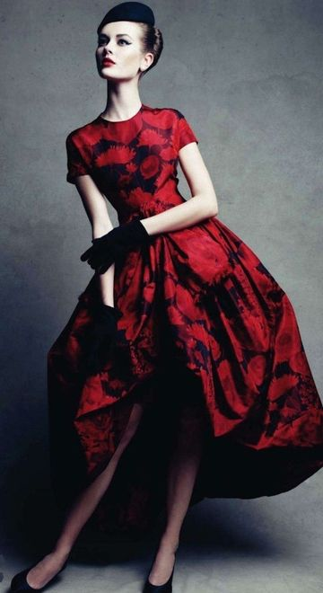 Dress: Dior Spring 1960 | Photographer: Patrick Demarchelier | Harper's Bazaar Spain Dec 2011