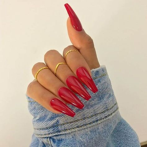 50 Creative Red Acrylic Nail Designs to Inspire You #rednails #redacrylicnail #acrylicnail #naildesign