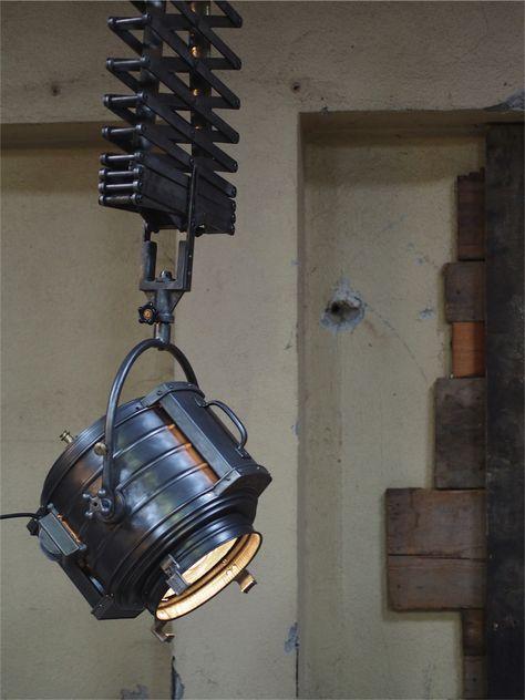 Rare Projecteur Cinema Mcalister Des Studios Hollywood Californie Suspendu Scissor Light Projecteur Lampe Industrielle Et Deco Industrielle