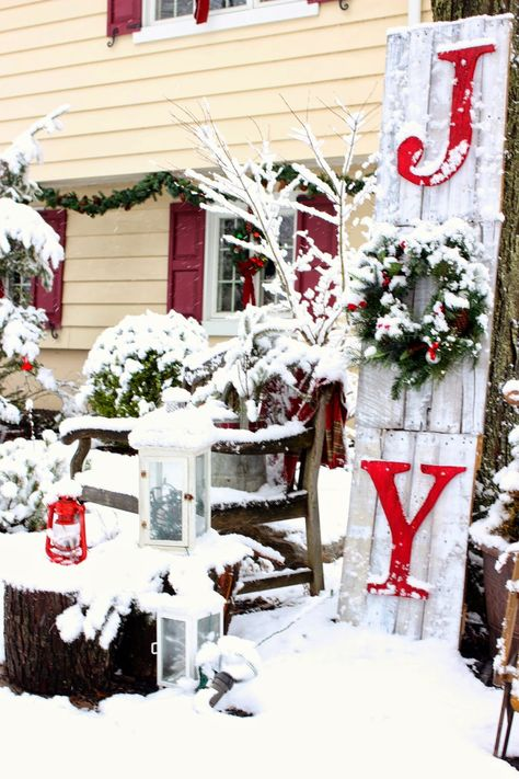 Joy sign made from pallet wood for outdoor Christmas decor-www.goldenboysandme.com