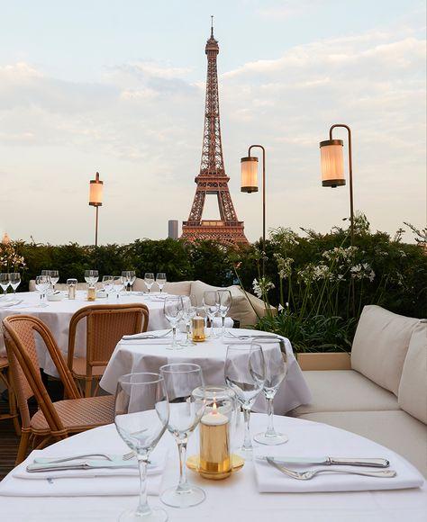hotel paris Where to eat in Paris with Eiffel Tower view Paris Hotels, Best Restaurants In Paris, Romantic Restaurants, Montmartre Paris, Paris Cafe, Paris Rooftops, Dinner In Paris, Paris Photography, Travel Aesthetic