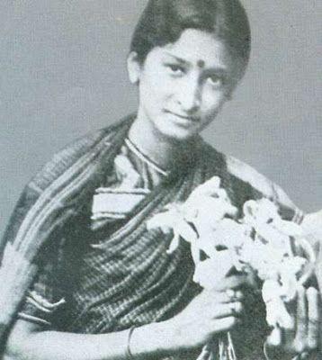 Durgabai Kamat - First Indian Woman In Cinema - Women's Garden | Cinema, Female directors, South indian film