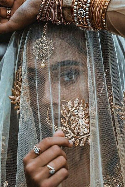 New Fashion Editorial Photography Inspiration Faces 34 Ideas Indian Fashion, Boho Fashion, Trendy Fashion, Arab Fashion, Dress Fashion, Style Fashion, Moda Indiana, Indian Aesthetic, Indian Photoshoot
