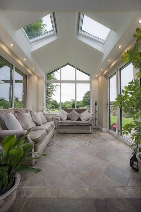 46 Beautiful Sunroom Windows to Relax in Some Space models architecture Garden Room Extensions, House Extensions, Kitchen Extensions, Home Interior Design, Exterior Design, Interior Garden, Classic Interior, Patio Design, Kitchen Interior