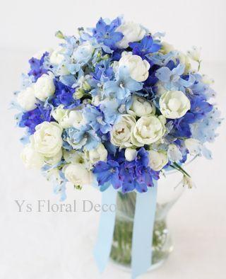 青系のクラッチブーケ デルフィニウム | Ys Floral Deco Blog | ブーケ ...