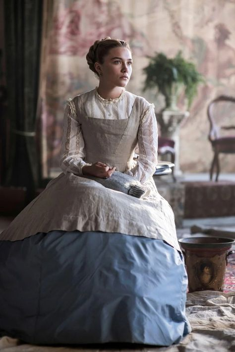 Florence Pugh Source - Florence Pugh Source Florence Pugh as Amy March in LITTLE WOMEN Set in the the costumes were designed by Jacqueline Durran. Movie Costumes, Cool Costumes, Period Costumes, Vintage Outfits, Florence Pugh, Woman Movie, The New Yorker, Tartan Plaid, Beautiful People