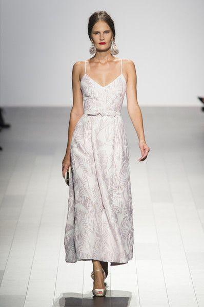 Badgley Mischka, Spring 2018 - Stunning New York Runway Gowns Made for a Bride - Photos