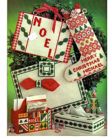 More Christmas Projects For Plastic Canvas Pattern Book Leisure Arts 194. back cover