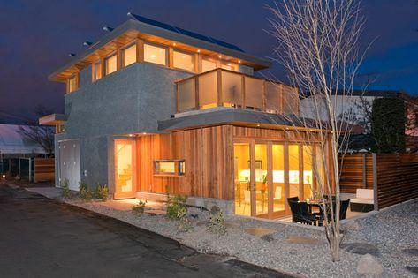 Lanefab Completes Vancouver's First Net-Zero Solar Laneway House
