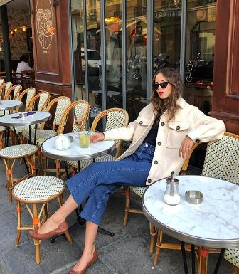 Everything you need to know on how to wear jeans like a French girl! Including brands they shop at, budget-friendly options, French girl jean outfits, and Parisian fashion tips! French Girl Style, French Girls, Mira Duma, European Fashion, French Fashion, Parisian Fashion, Style Fashion, Fashion Tips, Fashion Outfits
